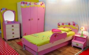 dekor kamar anak perempuan fullcolor 300x187 Tampilan Desain Interior Kamar Tidur Anak Perempuan Modern