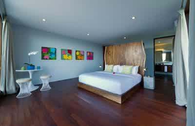 Large Bedroom Design in Malimbu Cliff Villa in Lombok Island Indonesia 700x453 Desain Rumah Mewah Terletak di Nusa Tenggara Barat Indonesia