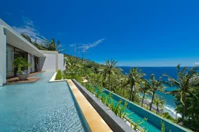 Swimming Pool Design in Malimbu Cliff Villa in Lombok Island Indonesia 700x465 Desain Rumah Mewah Terletak di Nusa Tenggara Barat Indonesia