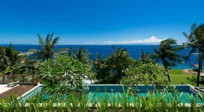 Tropical Malimbu Cliff Villa in Lombok Island Indonesia 700x384 Desain Rumah Mewah Terletak di Nusa Tenggara Barat Indonesia